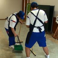 ロビー清掃①